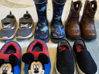 Size 5-6 Toddler Shoes for Sale in Bonney Lake,  WA