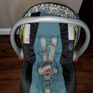 Car seat/Stroller for Sale in Pittsburgh, PA