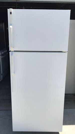 HotPoint apartment size refrigerator for Sale in Santa Ana, CA