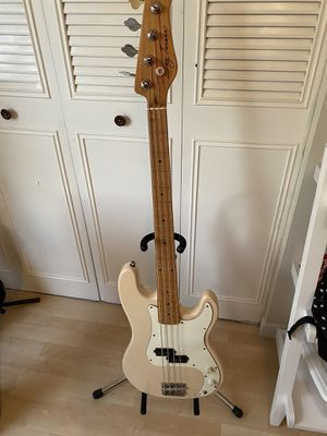 Jay Turser Electric Bass for Sale in Lutz, FL