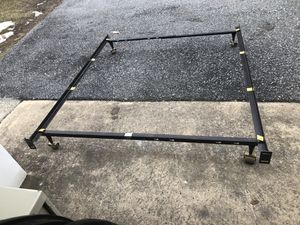 Queen size metal bed frame for Sale in Lewisberry, PA