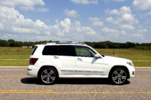 Like 🆕 10 Mercedes GLK for Sale in Collinsville, IL