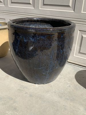 Large wide mouth clay pot. Flower pot for Sale in Phoenix, AZ