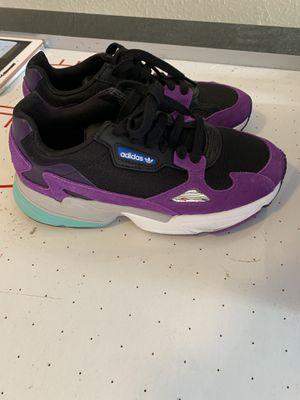 Women adidas sneaker for Sale in Miami Lakes, FL