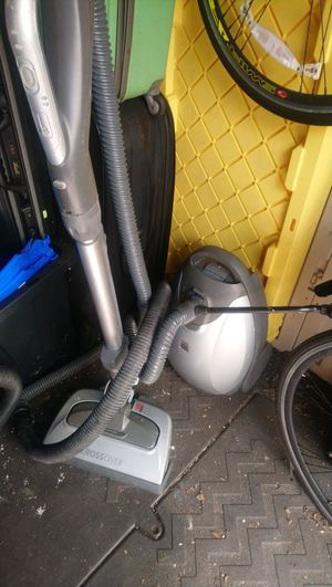 Kenmore elite 700 vacuum for Sale in Fort Lauderdale, FL