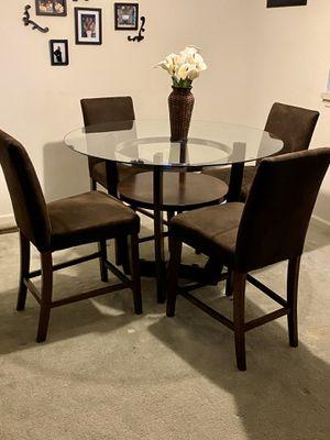 Well kept dining room set for Sale in Ellicott City, MD