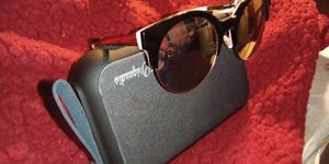 Brand*New* Kate spade sunglasses for Sale in Sacramento, CA