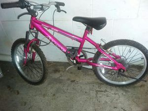 Girl bike used a little almost new for Sale in Columbus, OH