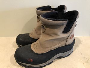 North Face Chilkat Men's size 12 Water Proof Rain Snow boots for Sale in Washington, DC