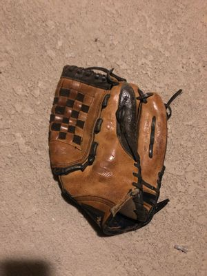 Easton baseball glove for Sale in Tampa, FL