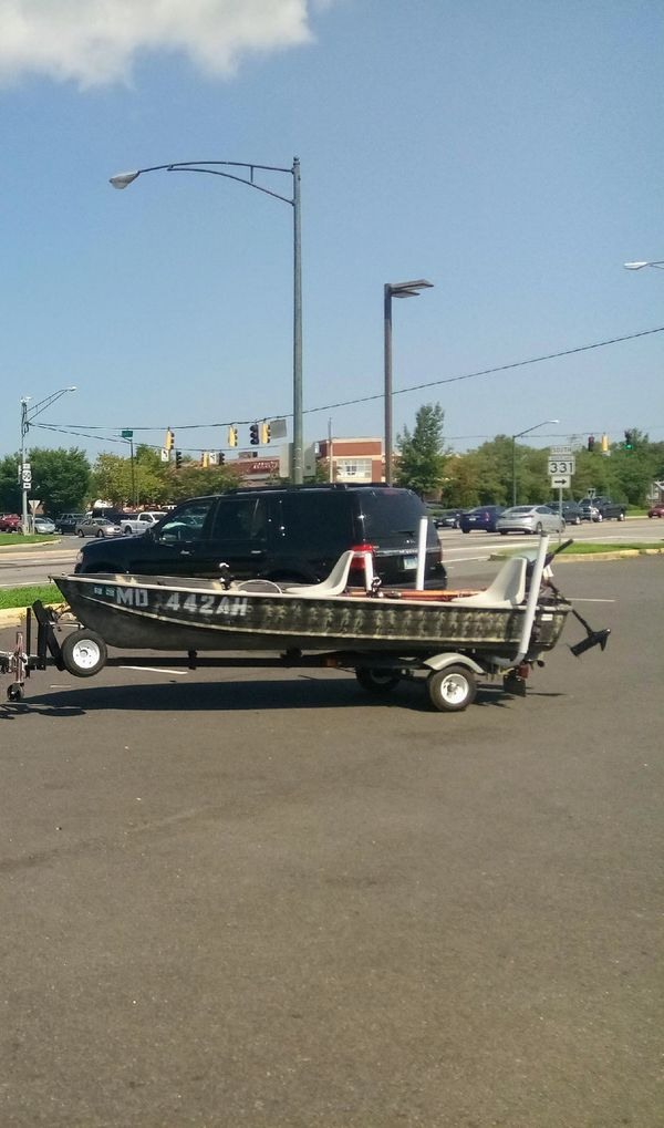 Truck and fishing boat 14 ft