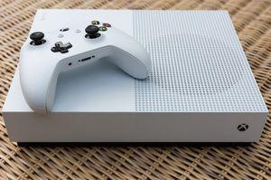 Xbox one s HIT ME FOR CASHAPP DISCOUNT for Sale in Oakton, VA