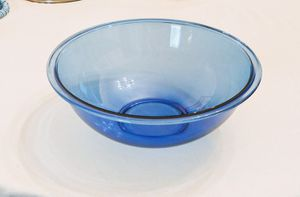 4 quart Pyrex Bowl for Sale in Sun City, AZ