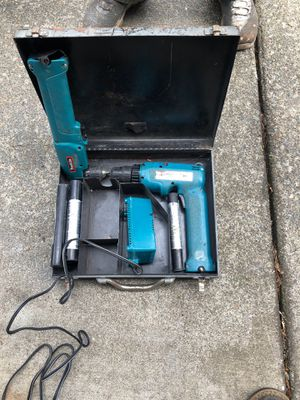 Makita 9 volt 2 guns for Sale in Bonney Lake, WA