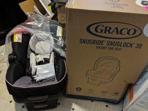 Graco Snugride Snuglock 30 for Sale in Sacramento, CA