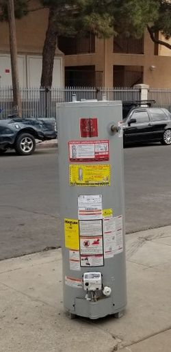 Water Heater 40gal for Sale in Los Angeles,  CA