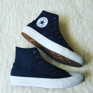 Converse Chuck Taylor Kids Size 5.5 for Sale in Baltimore, MD