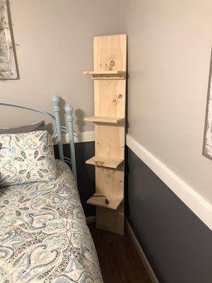 7 foot tall corner shelf it has five shelves on it for Sale in Inman, SC