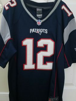 Nike Tom Brady Patriots Jersey - Youth Large for Sale in Vienna,  VA
