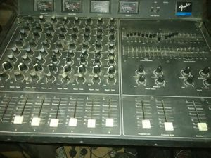 Fender powered mixer 200$ for Sale in Sanger, CA