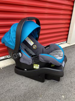 Safety 1st Onboard 35 Car Seat And Base for Sale in Grawn,  MI