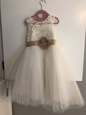 Girls White Flower Girl Dress Size 5 - Wedding, Formal, Baptism for Sale in St. Charles, IL