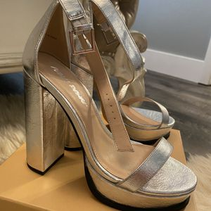 Silver Heels, 7.5 for Sale in Vancouver, WA