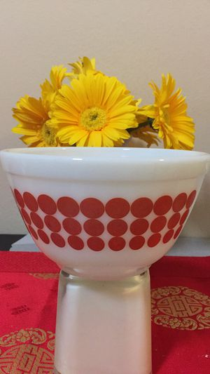 Pyrex Red Dot Mixing Bowl for Sale in San Francisco, CA