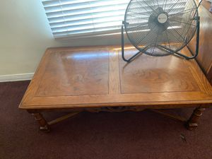 Coffee table minor scratches for Sale in Los Angeles, CA