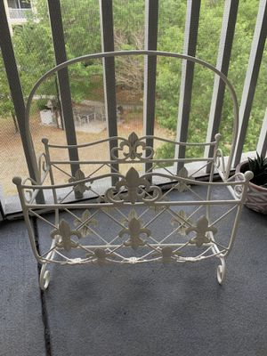 Shabby Chic Metal Magazine Rack for Sale in Tampa, FL