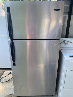 Frigidaire stainless steel refrigerator for Sale in Monroe Township, NJ