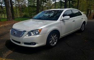 $1.OOO I'm selling 2OO8 Toyota Avalon Limited for Sale in Cincinnati, OH