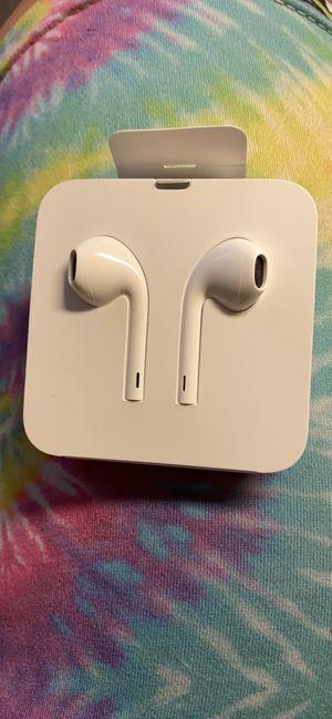 Apple headphones for Sale in Springfield, VA