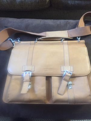 Kennth Cole Reaction Leather Laptop Computer Bag for Sale in White Hall, WV