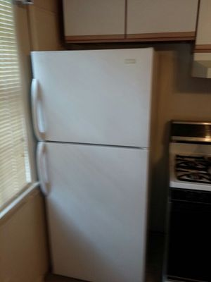 24 inch small. Refrigerator/28 inch Apt Size.. for Sale in Washington, DC