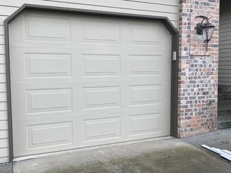9x7 Taylor Oncore garage door panels They Don't Make Anymore for Sale in Vancouver,  WA