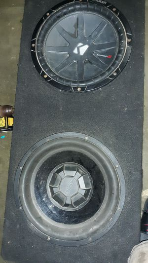 """12"""" Kicker comp R and 12"""" insignia with box for Sale in West Monroe, LA"""