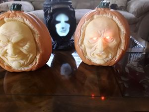 Halloween 2 Grandin Road Interactive Talking Pumpkins- Brand New for Sale in West Covina, CA