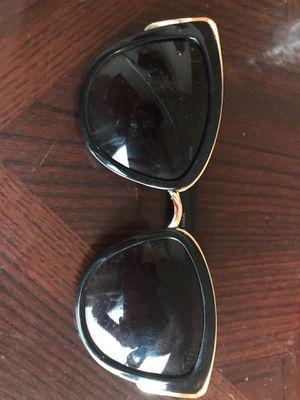 guess sunglasses for Sale in Wichita, KS