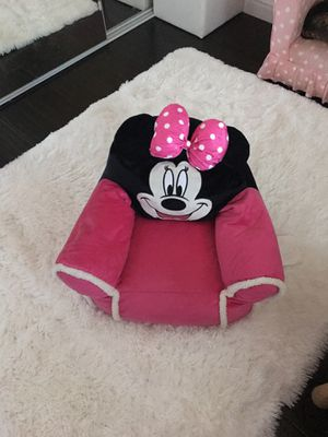 Minnie Mouse chair for Sale in Moreno Valley, CA