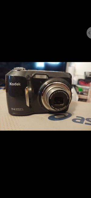 Kodak Easyshare c183 digital camera with 1 GB memory card for Sale in Denver, CO