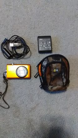 Nikon Coolpix camera bundle for Sale in undefined