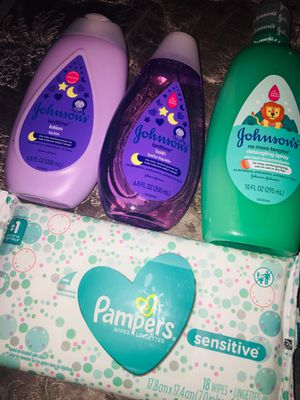 Mini Johnson's lotion & body wash. Johnson's detangling spray . & Pampers 18 wipes . for Sale in Cleveland, OH