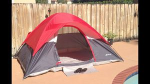9' X 7' Dome Camping Tent - CAMPING TENT LIKE NEW! EASY SET UP for Sale in Miami, FL