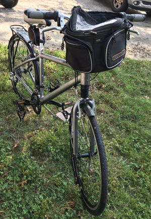 Cannondale Adventure 1000 Hybrid/Comfort bike for Sale in Red Lion, PA
