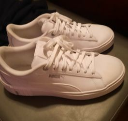 Women's PUMAS size 8 for Sale in Tallapoosa,  GA