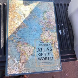 National Geographic Atlas Of The World Revised 3rd Edition for Sale in Martinez, CA