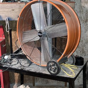Fan for Sale in Mamou, LA
