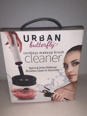 Makeup brush cleaner for Sale in Los Angeles, CA