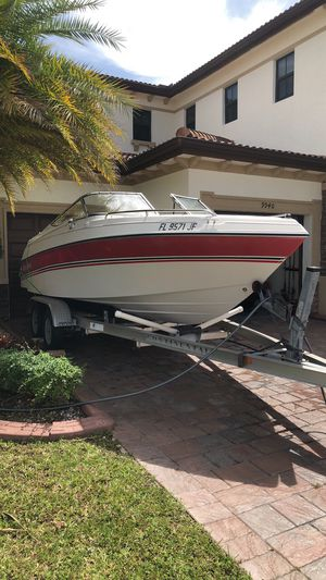 Four winns horizon 190 with aluminum trailer for Sale in Hialeah, FL
